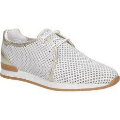 Białe buty sportowe skórzane sznurowane Creator 9811A. Czarne buty sportowe damskie marki Casu. Za 289,99 zł.