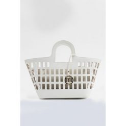 Torba-koszyk z saszetką. Szare shopper bag damskie Monnari, w ażurowe wzory. Za 99,60 zł.