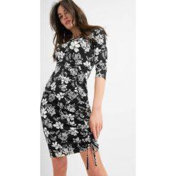 Sukienki: Sukienka z marszczeniem na udzie