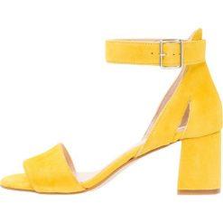 Rzymianki damskie: Shoe The Bear MAY  Sandały yellow