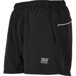 Szorty funkcyjne w kolorze czarnym. Czarne bermudy męskie TAO Sportswear, z materiału. W wyprzedaży za 112,95 zł.