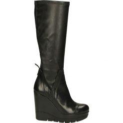 Kozaki na koturnie - ZE09 LU-NA NE. Czarne buty zimowe damskie marki Kazar, z futra, przed kolano, na wysokim obcasie, na koturnie. Za 249,00 zł.
