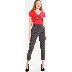 Odzież damska: Armani Exchange Tshirt z nadrukiem lollipop