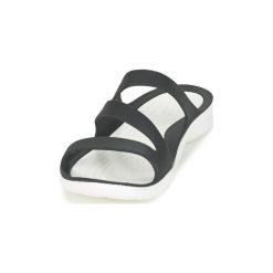 Sandały Crocs  SWIFTWATER SANDAL W. Czarne sandały damskie marki Crocs. Za 119,20 zł.