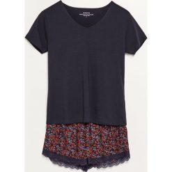 Piżama z szortami - Granatowy. Czarne piżamy damskie marki Mohito, z motywem z bajki. Za 79,99 zł.