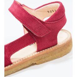 ANGULUS Sandały magenta. Fioletowe sandały chłopięce ANGULUS, z materiału, z otwartym noskiem. W wyprzedaży za 279,30 zł.