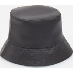 Kapelusz typu bucket hat - Czarny. Czarne kapelusze damskie marki Reserved. Za 49,99 zł.