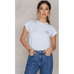 T-shirty damskie: Josefin Ekström for NA-KD T-shirt Vibe Embroidery – White