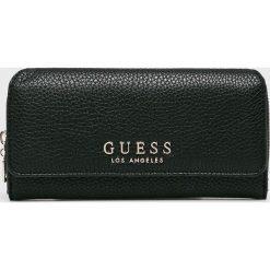 Guess Jeans - Portfel. Czarne portfele damskie Guess Jeans, z jeansu. W wyprzedaży za 219,90 zł.