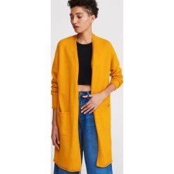 cedc17c8446b38 Żółte swetry rozpinane damskie - Kolekcja lato 2019. Gładki kardigan -  Żółty. Żółte swetry damskie Reserved, s, bez wzorów, bez
