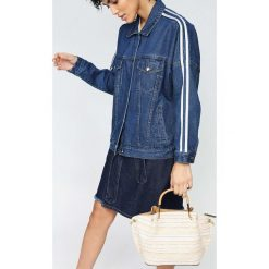 Parfois - Torebka. Szare torebki klasyczne damskie marki Parfois, w paski, z bawełny, średnie. W wyprzedaży za 89,90 zł.