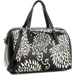 Torebka WITTCHEN - 86-4Y-202-1 Czarny. Czarne torebki klasyczne damskie Wittchen, ze skóry ekologicznej. W wyprzedaży za 179,00 zł.