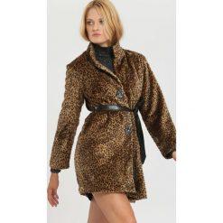 Brązowy Płaszcz Excitement. Czerwone płaszcze damskie zimowe marki Cropp, l. Za 149,99 zł.