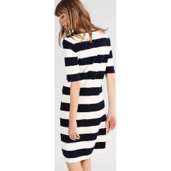 GANT BARSTRIPE DRESS Sukienka letnia evening blue. Niebieskie sukienki letnie marki GANT, s, z bawełny. W wyprzedaży za 382,85 zł.
