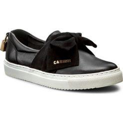Półbuty CARINII - B3853 E50-360-000-B67. Czarne creepersy damskie Carinii, z nubiku, na płaskiej podeszwie. W wyprzedaży za 239,00 zł.
