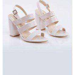 Sandały damskie: Sandały z połyskującego materiału