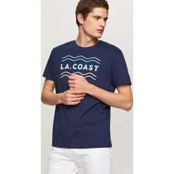 T-shirty męskie: T-shirt z wakacyjnym nadrukiem – Granatowy