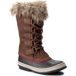 Śniegowce SOREL - Joan Of Arctic NL 2429 Umber/Red Dahlia 261. Brązowe buty zimowe damskie Sorel, z gumy. W wyprzedaży za 439,00 zł.