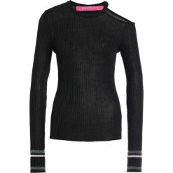 Swetry klasyczne damskie: 81hours Studio RIBBED SHOULDEROFF CONTRAST DETAIL Sweter black