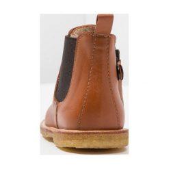 Buty zimowe damskie: ANGULUS STARTER CHELSEA BOOT WITH ELASTIC AND ZIPPER Botki cognac/brown
