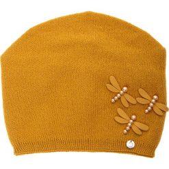 Musztardowa czapka z akrylowymi ważkami QUIOSQUE. Czarne czapki zimowe damskie QUIOSQUE, na zimę, z dzianiny. Za 79,99 zł.