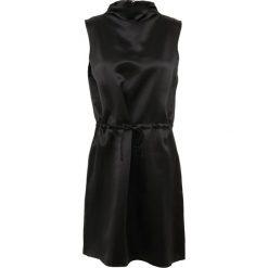 J.LINDEBERG MERCED Sukienka koktajlowa black. Czarne sukienki koktajlowe J.LINDEBERG, z jedwabiu. W wyprzedaży za 467,35 zł.