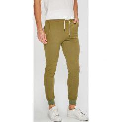 True Spin - Spodnie. Szare joggery męskie True Spin, z bawełny. W wyprzedaży za 69,90 zł.