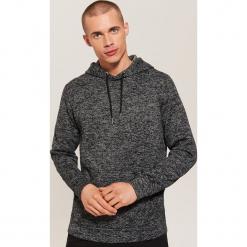 Sweter z kapturem - Szary. Czarne swetry klasyczne męskie marki Reserved, m, z kapturem. Za 119,99 zł.