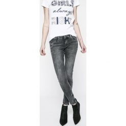 Pepe Jeans - Jeansy Cher. Szare jeansy damskie rurki Pepe Jeans, z bawełny, z obniżonym stanem. W wyprzedaży za 329,90 zł.