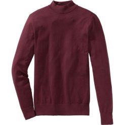 Sweter ze stójką Regular Fit bonprix czerwony klonowy. Czerwone golfy męskie marki bonprix, l, z dzianiny. Za 79,99 zł.