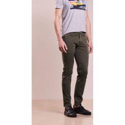 Chinosy męskie: BOSS CASUAL SLIM Spodnie materiałowe dark green