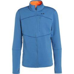 Oakley ELKHORN JACKET Kurtka z polaru california blue. Niebieskie kurtki sportowe męskie marki Oakley, m, z elastanu. W wyprzedaży za 519,20 zł.