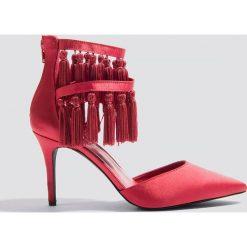 NA-KD Shoes Szpilki z chwostami - Red. Czerwone szpilki NA-KD Shoes, w paski. W wyprzedaży za 60,89 zł.