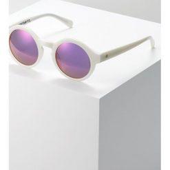 Carhartt WIP FOX Okulary przeciwsłoneczne white/ purple mirrored. Białe okulary przeciwsłoneczne damskie marki Carhartt WIP. Za 359,00 zł.