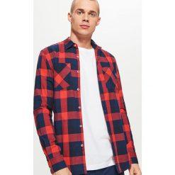 Koszula w kratę - Czerwony. Czerwone koszule męskie na spinki Cropp, l. Za 79,99 zł.