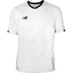 Koszulka treningowa - EMT6106WT. Szare koszulki do piłki nożnej męskie marki New Balance, na jesień, l, z materiału. W wyprzedaży za 89,99 zł.