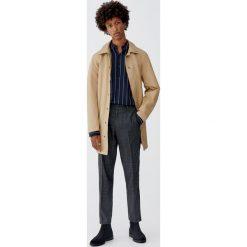 Koszula z wiskozy w paski z długim rękawem. Czarne koszule męskie w paski Pull&Bear, m, z wiskozy, z długim rękawem. Za 99,90 zł.