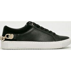 Tommy Hilfiger - Buty. Czarne buty sportowe damskie marki TOMMY HILFIGER, z materiału, z okrągłym noskiem, na obcasie. W wyprzedaży za 399,90 zł.
