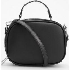 Mała torebka z ćwiekami - Czarny. Czarne torebki klasyczne damskie marki Reserved, małe. Za 99,99 zł.