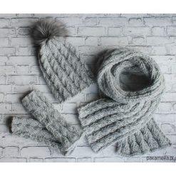 Komplet Warkocz czapka + szalik+ mitenki od ręki. Szare czapki zimowe damskie Pakamera, na zimę. Za 265,00 zł.