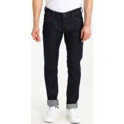 Le Temps Des Cerises Jeansy Straight Leg blue. Niebieskie jeansy męskie regular Le Temps Des Cerises. W wyprzedaży za 343,20 zł.