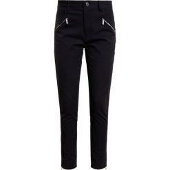 MICHAEL Michael Kors HIRISE ZIP Jeansy Slim Fit black. Czarne jeansy damskie marki MICHAEL Michael Kors. W wyprzedaży za 591,20 zł.