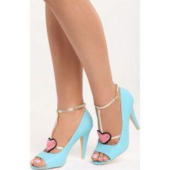 Niebieskie Sandały Love Story. Niebieskie sandały damskie marki Born2be, z haftami, na wysokim obcasie. Za 79,99 zł.