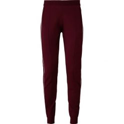 DESIGNERS REMIX CASEY PANTS Spodnie treningowe burgundy. Czerwone bryczesy damskie DESIGNERS REMIX, m, z dresówki. Za 839,00 zł.