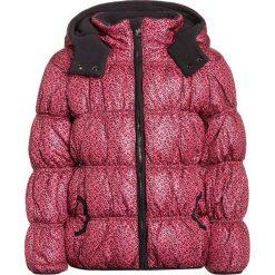 Blue Seven Kurtka zimowa azalee. Czerwone kurtki dziewczęce przeciwdeszczowe Blue Seven, na zimę, z materiału. W wyprzedaży za 137,40 zł.