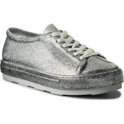 Półbuty MELISSA - Be Ad 31991 Glass Glitter Silver 53228. Szare półbuty damskie Melissa, z tworzywa sztucznego, na płaskiej podeszwie. Za 329,00 zł.
