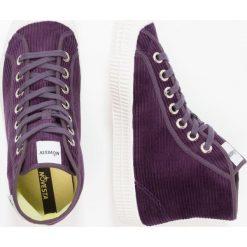 Novesta Tenisówki i Trampki wysokie purple. Fioletowe tenisówki męskie Novesta, z materiału. W wyprzedaży za 251,30 zł.