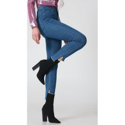 NA-KD Jeansy Highwaist Skinny Raw Hem - Blue - 2