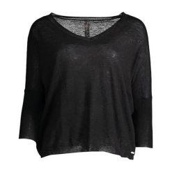 Sweter w kolorze czarnym. Czarne swetry oversize damskie Guess, m, z dzianiny. W wyprzedaży za 299,95 zł.