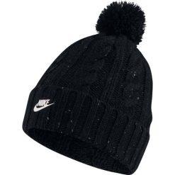 Czapka Nike Wmns Beanie (925422-010). Czarne czapki zimowe damskie Nike, na zimę, z nylonu. Za 79,99 zł.